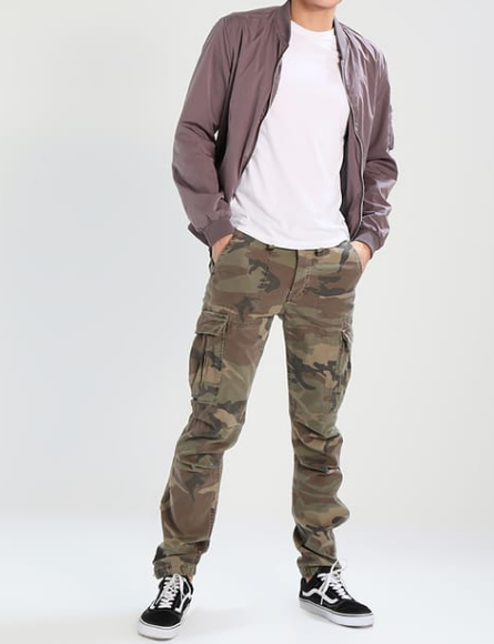 Camouflage Hose Casual Style Outfit