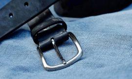 Gürtel und Jeans
